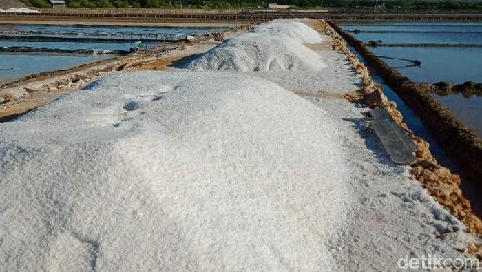 Komisi Pengawaaan Persaingan Usaha (KPPU) menyiapkan putusan untuk tujuh perusahaan terlapor dalam kasus dugaan kartel garam. Tujuh perusahaan itu diduga melanggar Undang-undang nomor 5 tahun 1999 dalam Perdagangan Garam Industri Aneka Pangan di Indonesia.