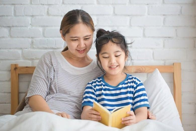 Manfaat Dongeng bagi Si Buah Hati yang Jarang Diketahui Para Ibu