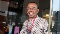 Sekretaris Kementerian Pemuda dan Olahraga (Sesmenpora) Gatot S Dewa Broto menjalani pemeriksaan di gedung KPK, Jakarta, Jumat (26/7/2019).