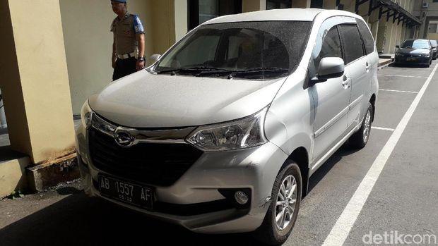 Mobil yang digunakan pelaku untuk membuang mayat mahasiswa Timor Leste.