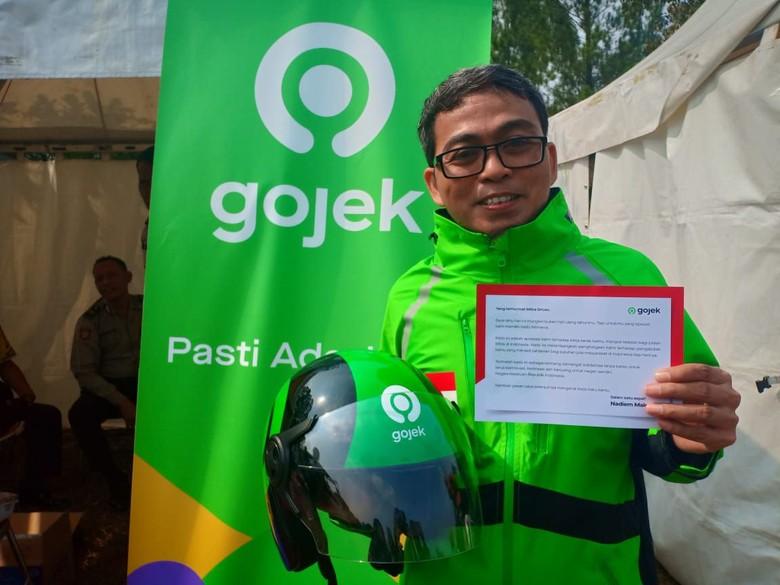 Surat Cinta Nadiem Buat Driver Go-Jek yang Beri Jaket ke Tunawisma