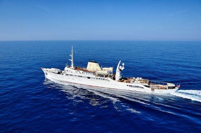 Kapal pesiar dengan nama Christina O ini dapat disewa dengan harga €560.000 atau sekitar US$ 627.505 per minggu. Istimewa/dok. CNBC Make It/Stef Bravin.