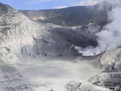 Gunung Tangkuban Perahu, Kisah Hari Dongeng Sedunia