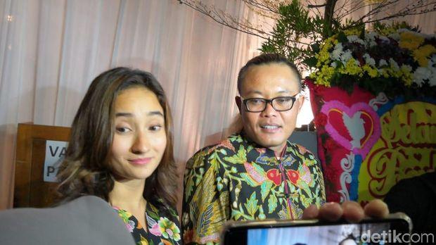Sule dan Naomi Zaskia di nikahan Siti Badriah