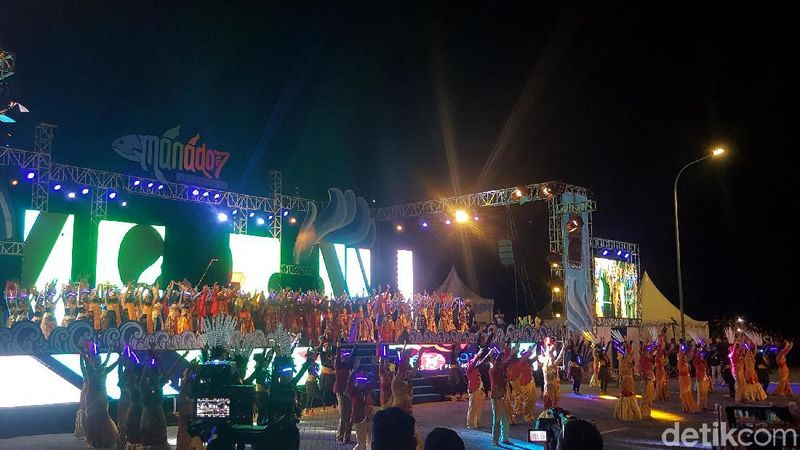 Manado Fiesta 2019 telah dimulai. Rangkaian acara yang meriah akan menghiasi Kota Manado hingga 4 Agustus nanti. (Syanti Mustika/detikcom)