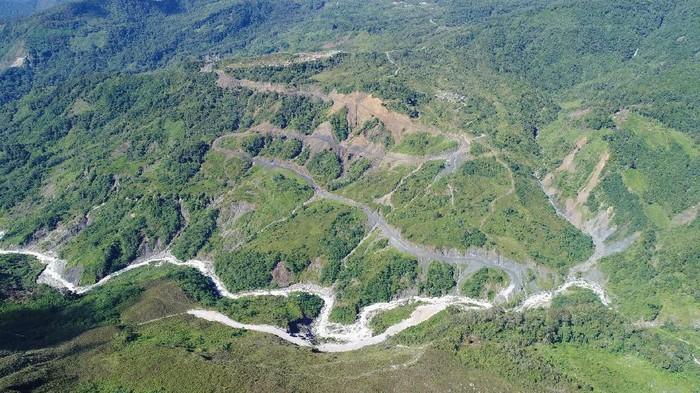 Jalan Trans Papua ruas Oksibil - Towe Hitam