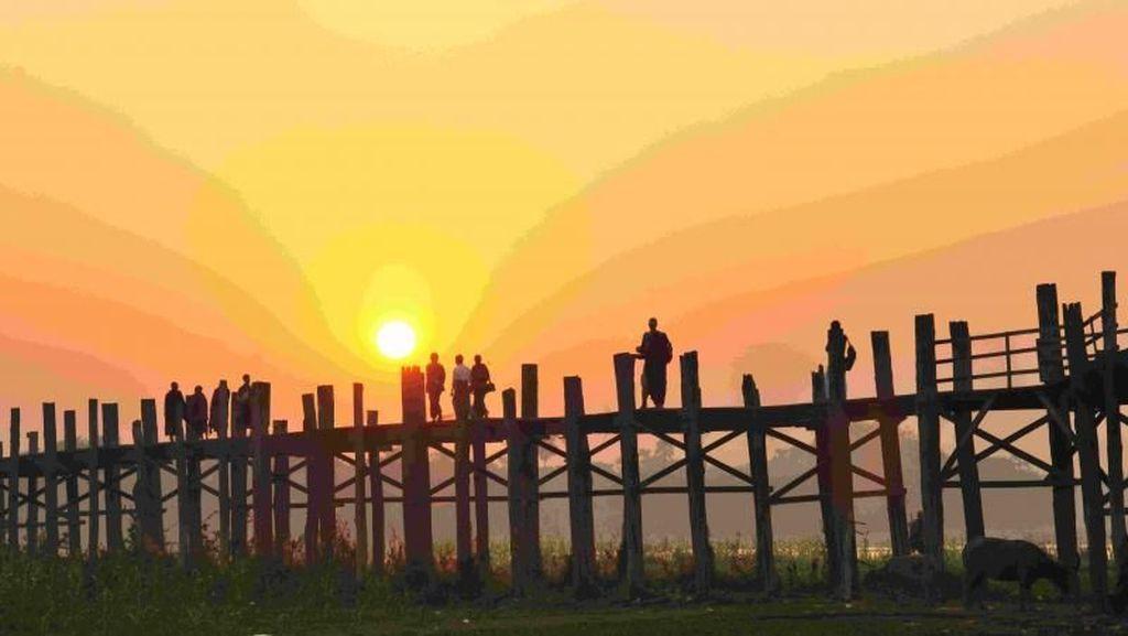 Jembatan Kayu Paling Bersejarah di Myanmar