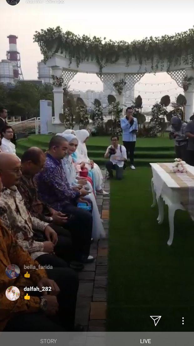 Bukan Menikah, Roger Danuarta Dikabarkan Melamar Cut Meyriska