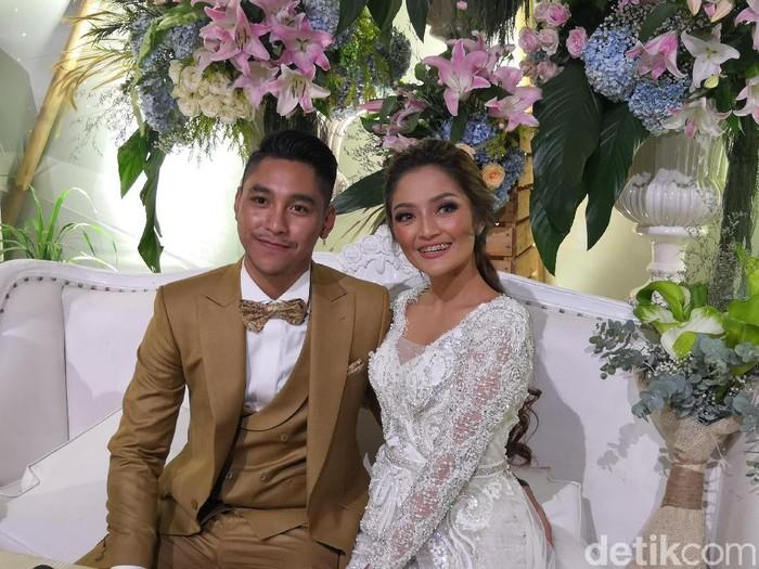 Siti Badriah dan Krisjiana
