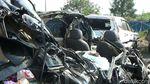 3 Orang Tewas, Begini Kondisi MPV yang Ditabrak Bus di Cipali