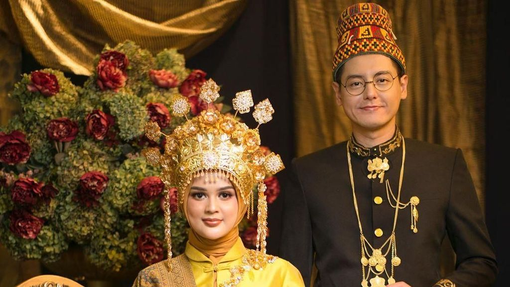 Foto: Inspirasi Pernikahan Adat Aceh a la Roger Danuarta dan Cut Meyriska