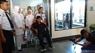 Obati Luka Bedah Plastik, Aria Pulang ke Rumah dan Istirahat 1 Bulan