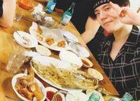 Jungkook 'BTS' hingga Cha Eun Woo, Pilih Hangout Bareng di Resto Sederhana
