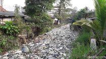 Kemenko Kemaritiman Tinjau Kali Bahagia Bekasi yang Penuh Sampah