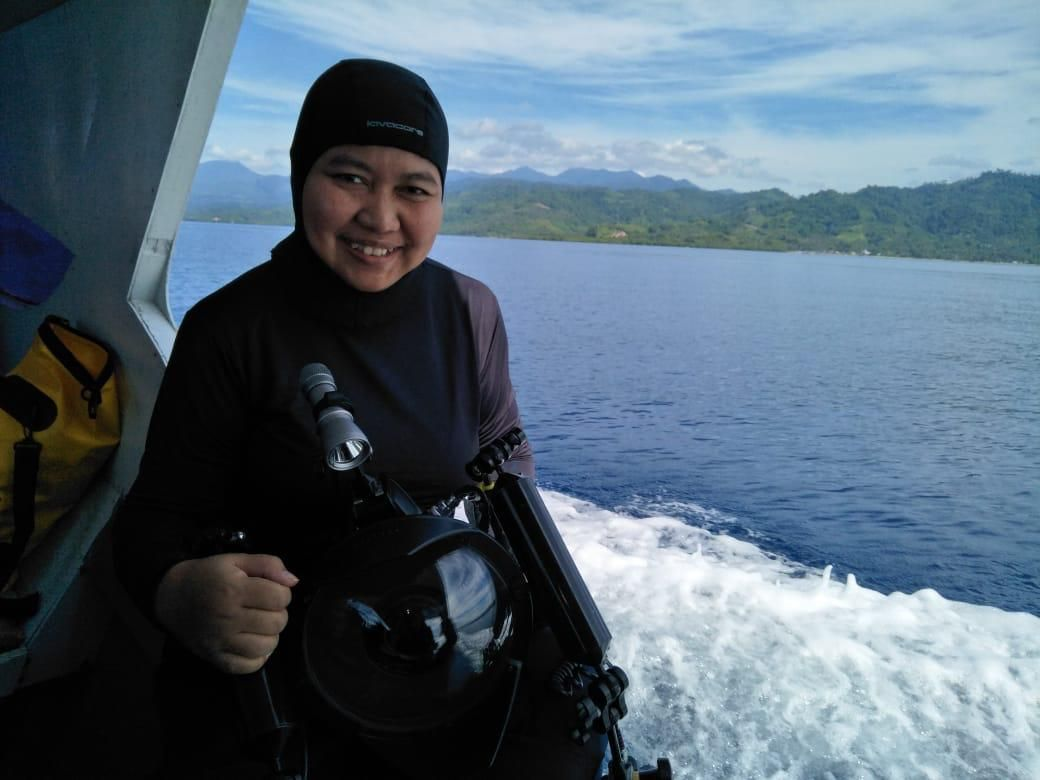 Ria Qorina Lubis, penyelam wanita yang mendunia