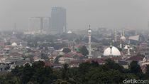 Polusi Jakarta yang Menyesakkan Kita