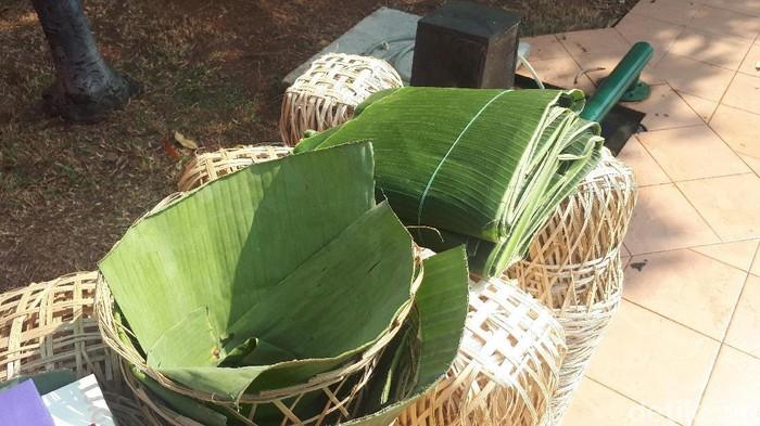 Besek bambu jadi alternatif untuk membungkus daging kurban Idul Adha. (Foto ilustrasi: Faiq Hidayat/detikcom)