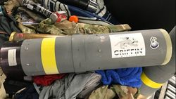 Petugas Bandara AS Temukan Suvenir Peluncur Rudal di Bagasi Pesawat
