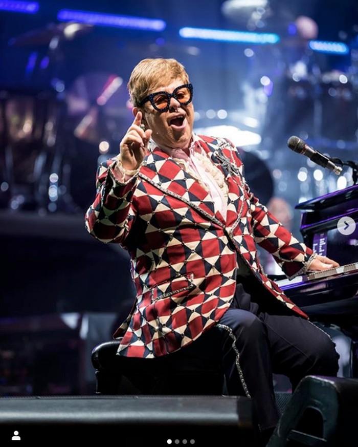 Elton John dari instagram pribadinya.