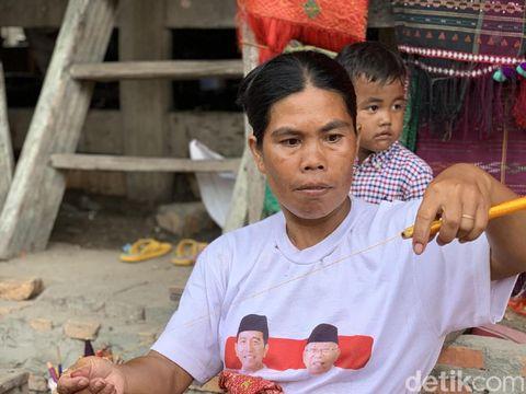 Jokowi akan Sulap Kampung Ulos di Samosir Jadi Destinasi Berkelas