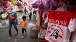 Pedagang Merah Putihkan Pasar Mester Jatinegara