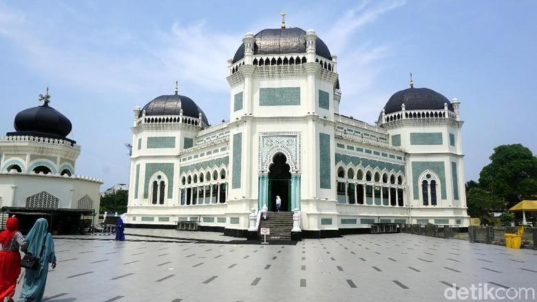 Masjid Raya Al Mahsun di Medan