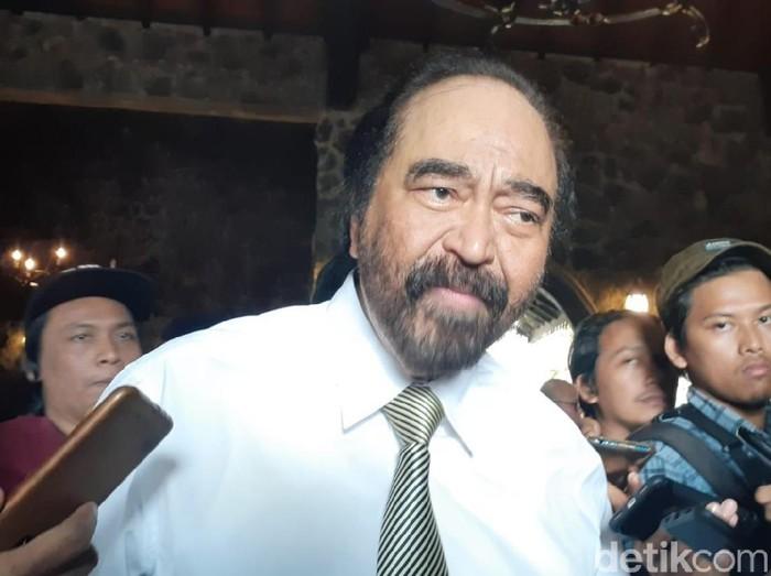 Ketum Partai NasDem, Surya Paloh memberikan keterangan pers di Yogyakarta, (30/7/2019).