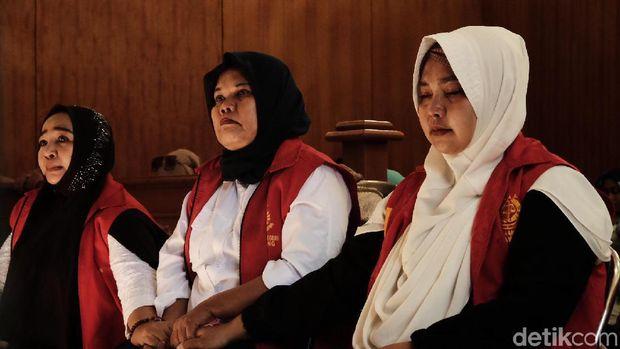 Jejak 3 Emak PEPES: Kampanye Hitam ke Jokowi, Divonis 6 Bulan Bui