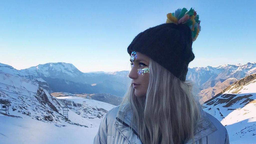 Potret Wanita Berpenghasilan Rp 850 Miliar per Tahun dari Jualan Glitter Dada
