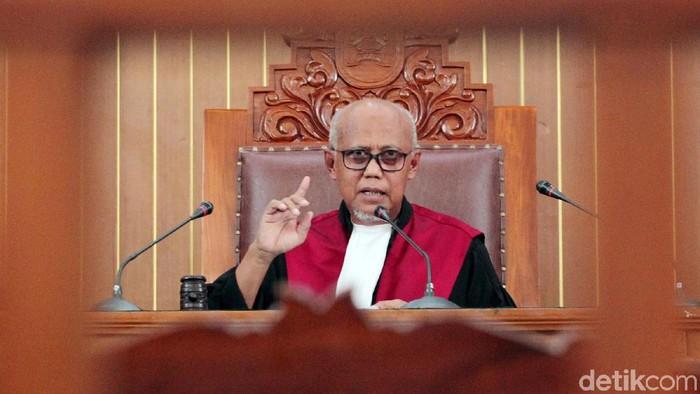 Hakim tunggal Achmad Guntur menolak permohonan praperadilan yang diajukan Kivlan Zen di Pengadilan Negeri Jakarta Selatan, Selasa (30/7/2019). Hakim menyatakan status tersangka Kivlan sah.