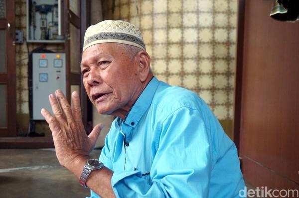 Menurut Haji Ridwan AS, Sekretaris II DKM Masjid Raya Al Mashun, masjid ini dibangun dengan menggunakan material terbaik dari luar negeri. 75% bahan bangunannya diimpor dari Eropa. (Wahyu Setyo/detikcom)