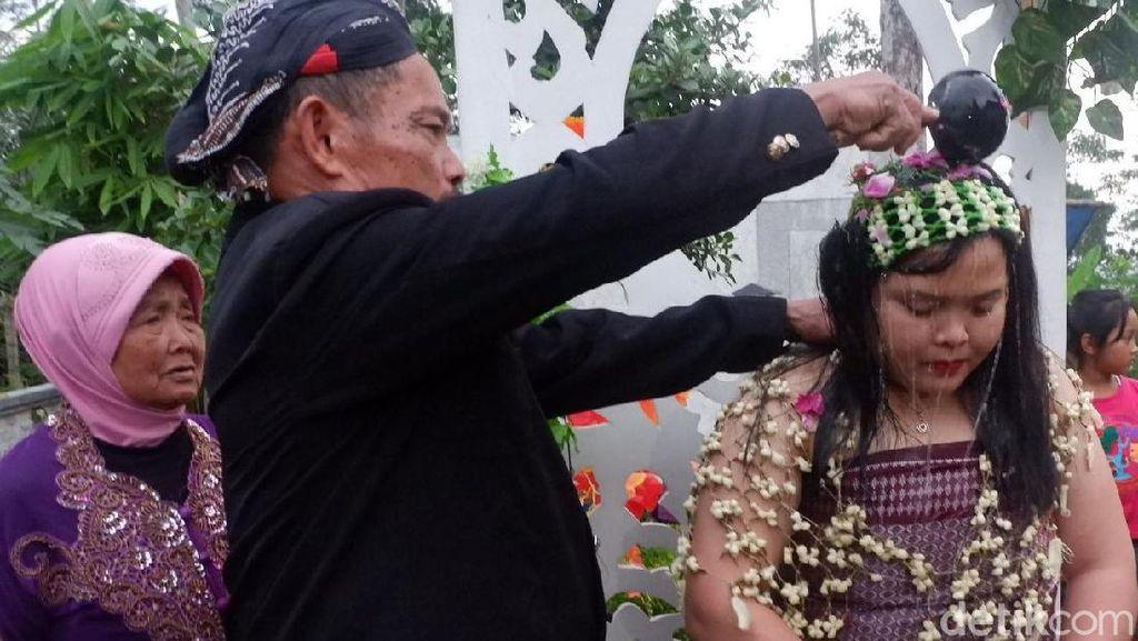 Bak Pengantin, Cakades di Banjarnegara Siraman Sebelum Coblosan
