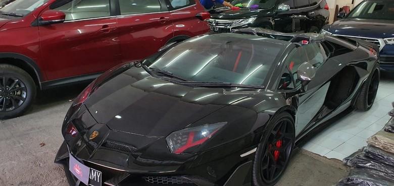 Lamborghini Raffi Ahmad Dimodifikasi Interiornya. Foto: Dok.  Classic Car Interior