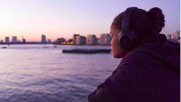 Saat di London, Ramla Ali juga berkunjung ke Cutty Sark. (somaliboxer/Instagram)