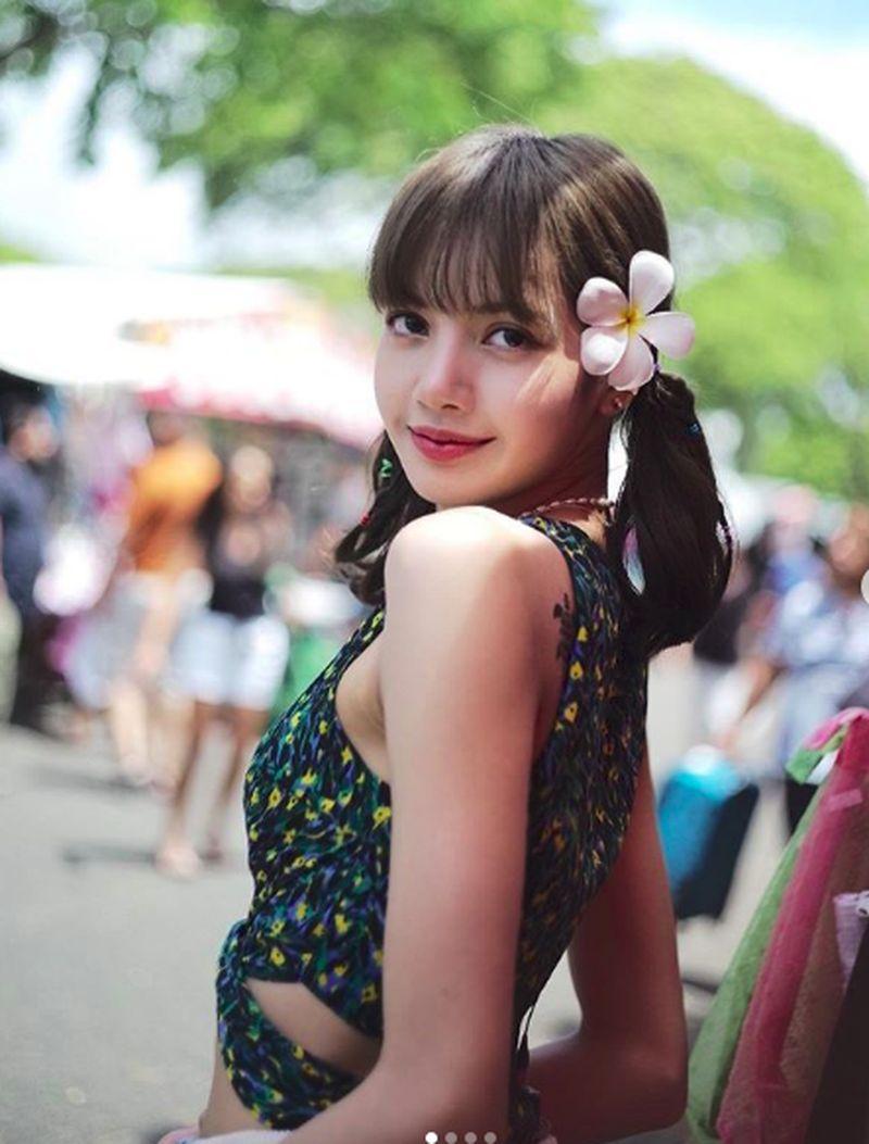 Setelah konser di beberapa negara, Lisa dan para personil Blackpink pun liburan ke Hawaii. (lalalalisa_m/Instagram)
