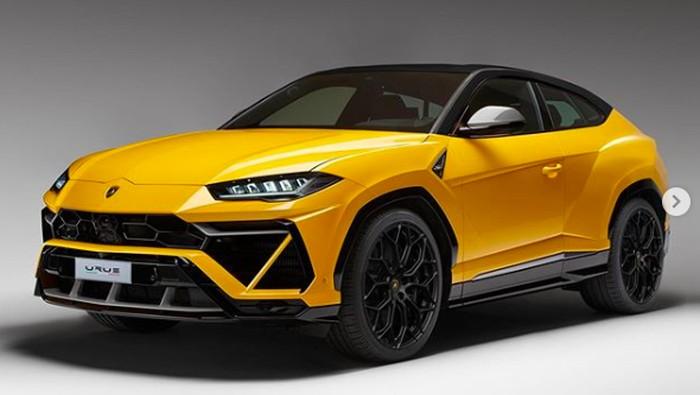 Desain Lamborghini Urus 2 Pintu