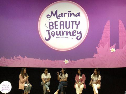 Aulia Halimatussadiah dan para pembicara lainnya di jumpa pers Marina Beauty Journey.