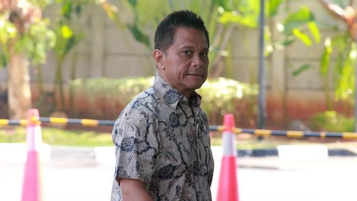 KPK kembali memeriksa mantan Dirut PT Mugi Rekso Abadi (MRA) Soetikno Soedarjo. Ia diperiksa sebagai tersangka penyuap Emirsyah Satar.