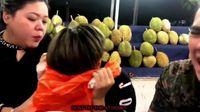 Challenge Makan Mie Pedas Campur Durian, Penyanyi Ini Dikecam Netizen