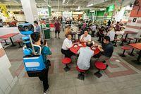 Kesal Pesanan Telur Tak Matang, Pria Ini Lempar Bubur Panas ke Penjual