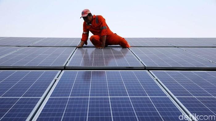 Menteri ESDM Ignasius Jonan mengajak Pemda untuk dapat mendorong penggunaan energi baru terbarukan (EBT). Salah satunya adalah Pembangkit Listrik Tenaga Surya (PLTS).
