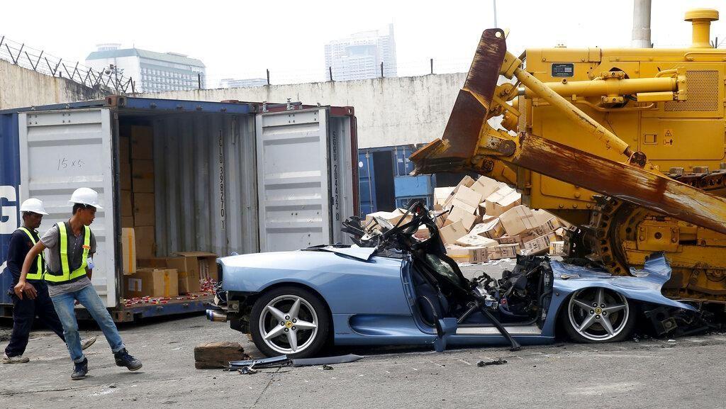 Ngakali Pajak di Filipina Mobil Dihancurkan, di RI Diapain Ya?