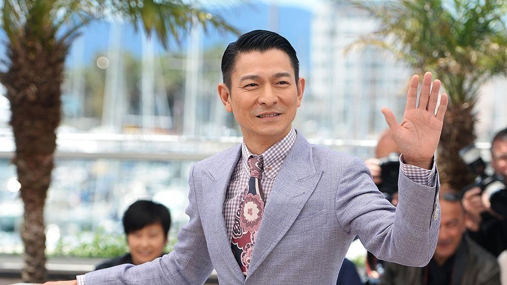 Viral Foto Andy Lau Naik Pesawat Kelas Ekonomi, Bikin Netizen Salut
