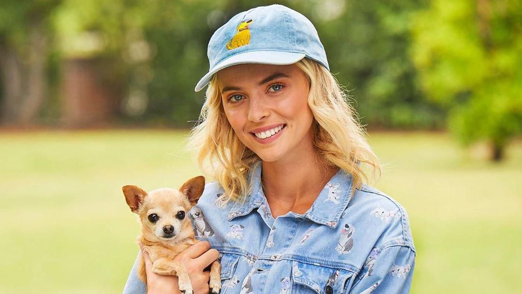 So Cute, Disney Rilis Baju Kembar untuk Manusia dan Anjing Kesayangan