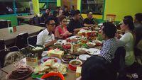 Usai Kondangan Siti Badriah, Ruben dan 'Gank Rusuh' Makan di RM Enak Ini!