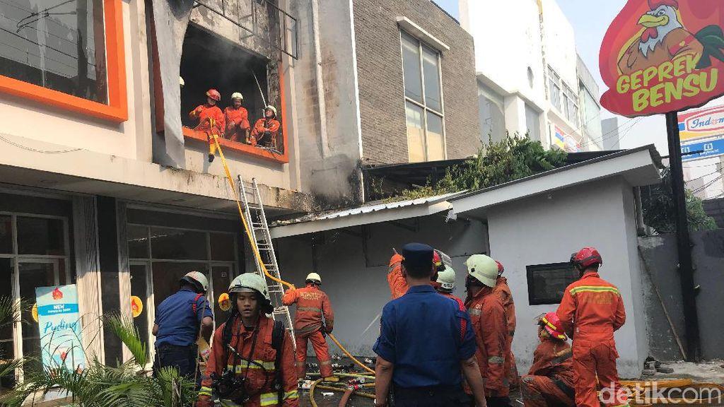 Api Berhasil Dipadamkan di Outlet Geprek Bensu