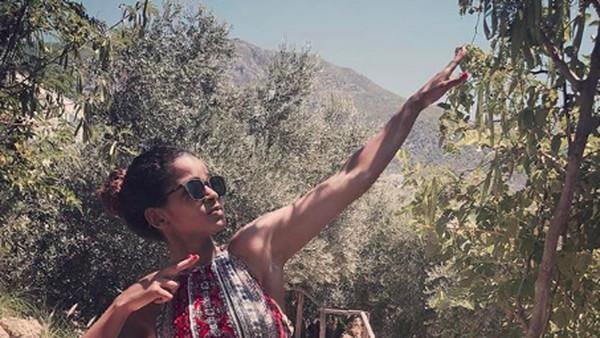 Saat menikmati liburan di Turki, Ramla Ali berkunjung ke Kalkan, wilayah yang berada di Provinsi Anatolia. (somaliboxer/Instagram)