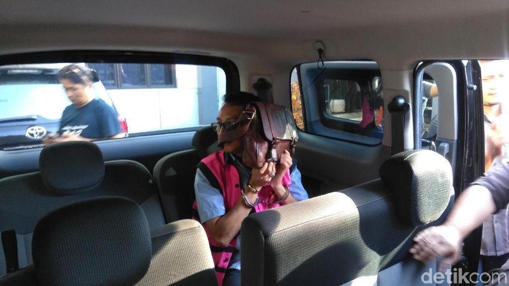 Kejari Surabaya Tahan Staff ESDM Pemprov Jatim yang Terjerat Kasus Pungli
