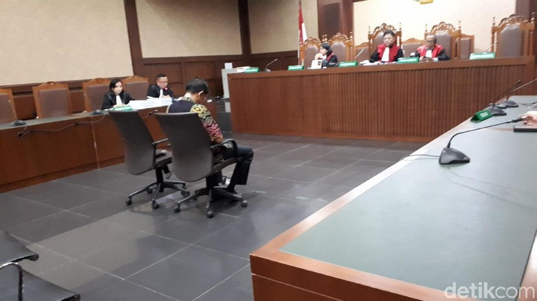 Jaksa KPK Tuntut Penyuap Eks Direktur Krakatau Steel 2 Tahun Penjara