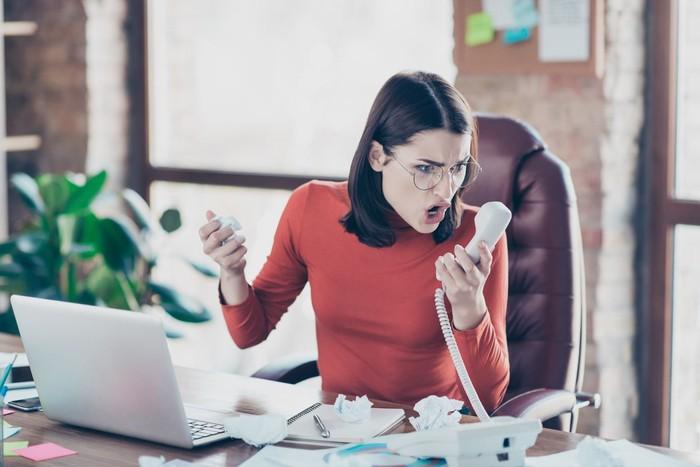 Ilustrasi wanita marah